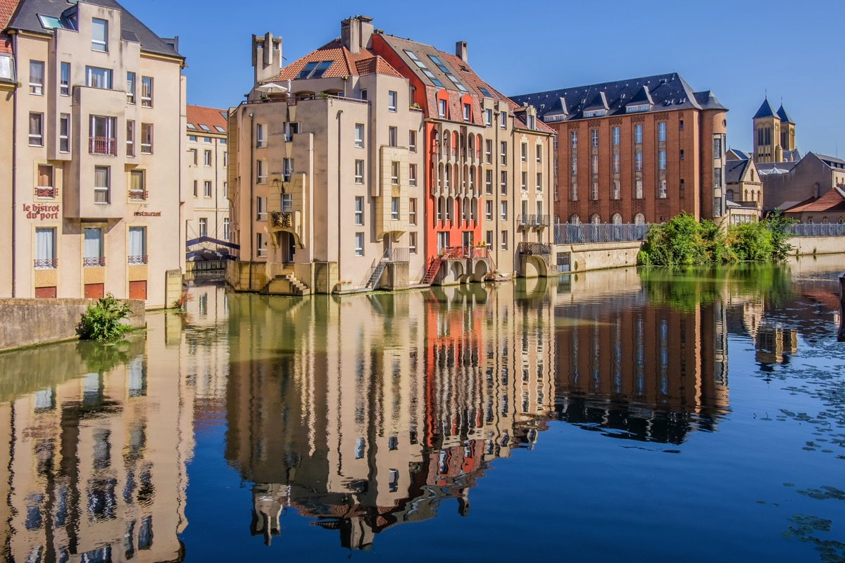 A dip into the Netherlands and France